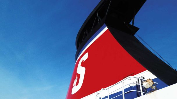 Skorsten på en Stena Line-färja.